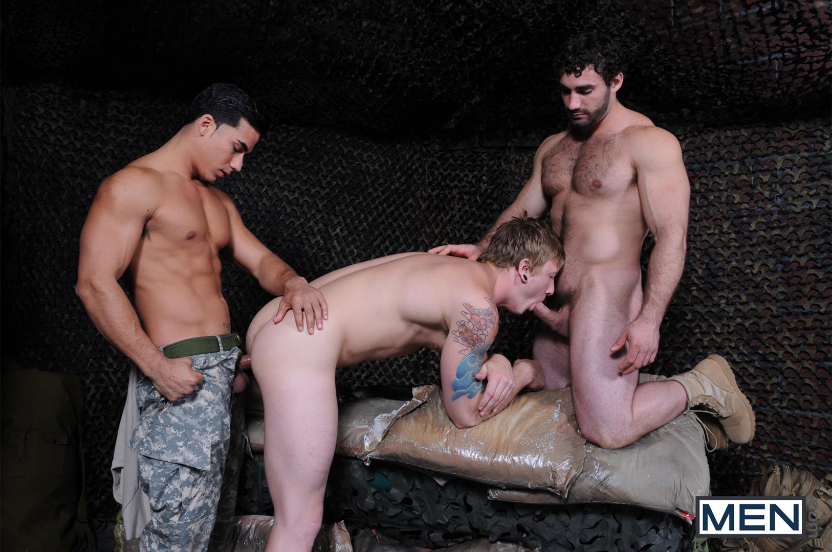 Men-Tour-of-Duty-Jaxton-Wheeler-and-Tom-Faulk-and-Topher-Di-Maggio-Army-Guys-Fucking-Amateur-Gay-Porn-08 Tom Faulk Getting Fucked by Topher DiMaggio and Jaxton Wheeler