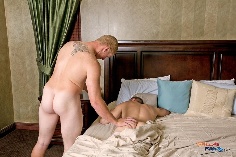 Dallas-Reeves-Milo-Fisher-and-Connor-Chesney-Redhead-Muscle-Hunk-Bareback-Amateur-Gay-Porn-05 Redhead Muscle Hunk Connor Chesney Barebacking Milo Fisher