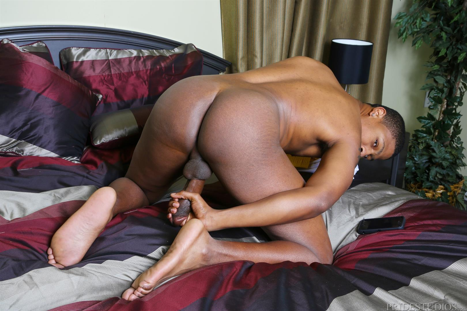 Extra-Big-Dicks-Dontae-Morningwood-Thug-Jerking-Off-Big-Black-Dick-Amateur-Gay-Porn-10 Young Black Guy With A Thick Ass Jerks His Big Black Cock