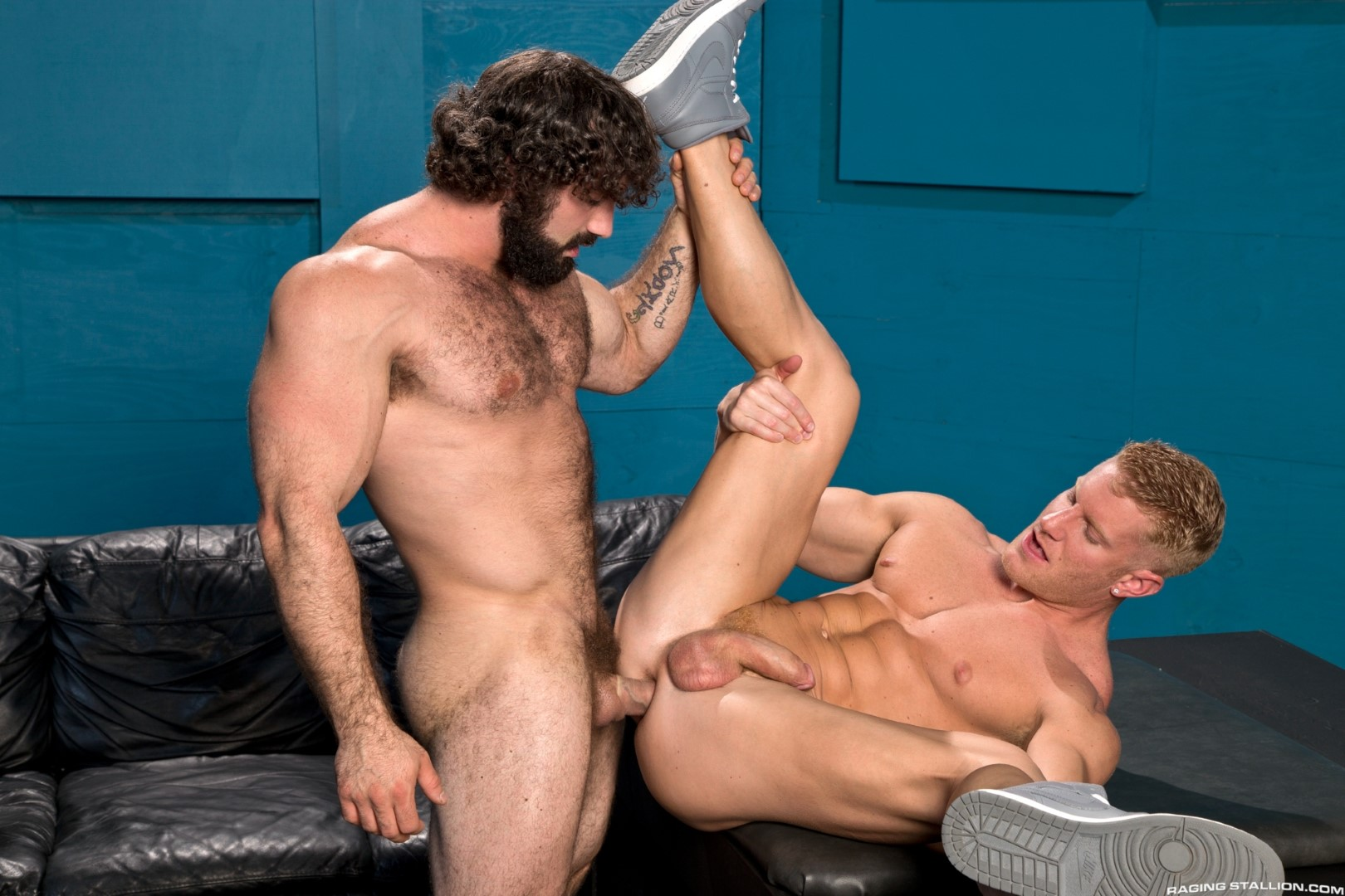 Raging-Stallion-Johnny-V-and-Jaxton-Wheeler-Hairy-Muscle-Hunk-Fucking-Amateur-Gay-Porn-09 Hairy Muscle Hunk Jaxton Wheeler Fucking A Muscle Jock