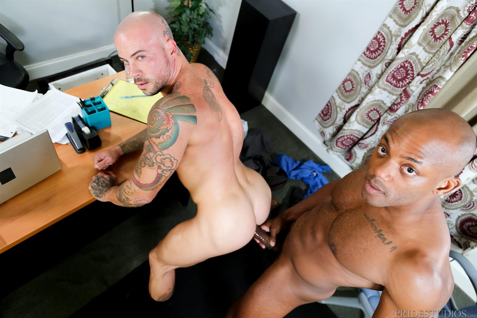 Sean Duran and Osiris Blade Extra Big Dicks Black Cock Interracial Amateur Gay Porn 14 White Muscle Hunk Takes A Big Black Cock Up The Ass During A Job Interview
